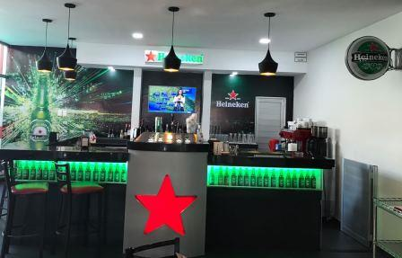 Heineken Bar & Grill (Arrivals Hall)
